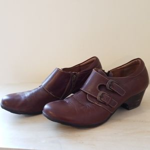 Sofft loght brown leather mules size 9.5